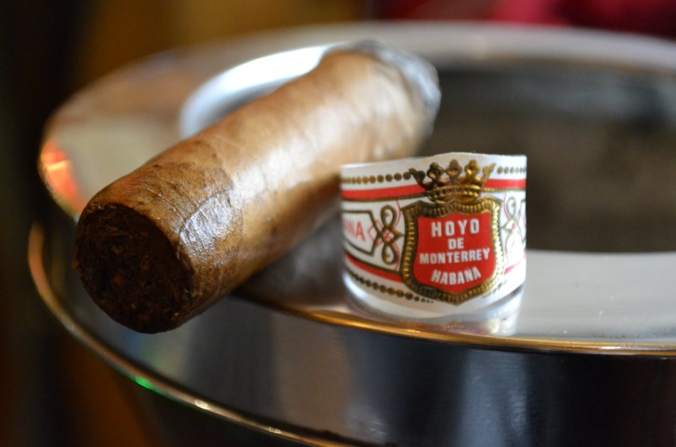 Xì gà Hoyo de Monterrey Petit Robusto